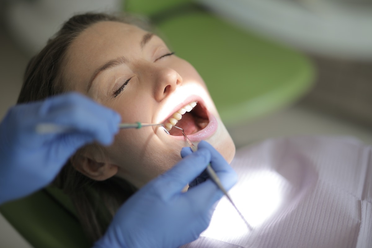 How long do dental implants last - AAID